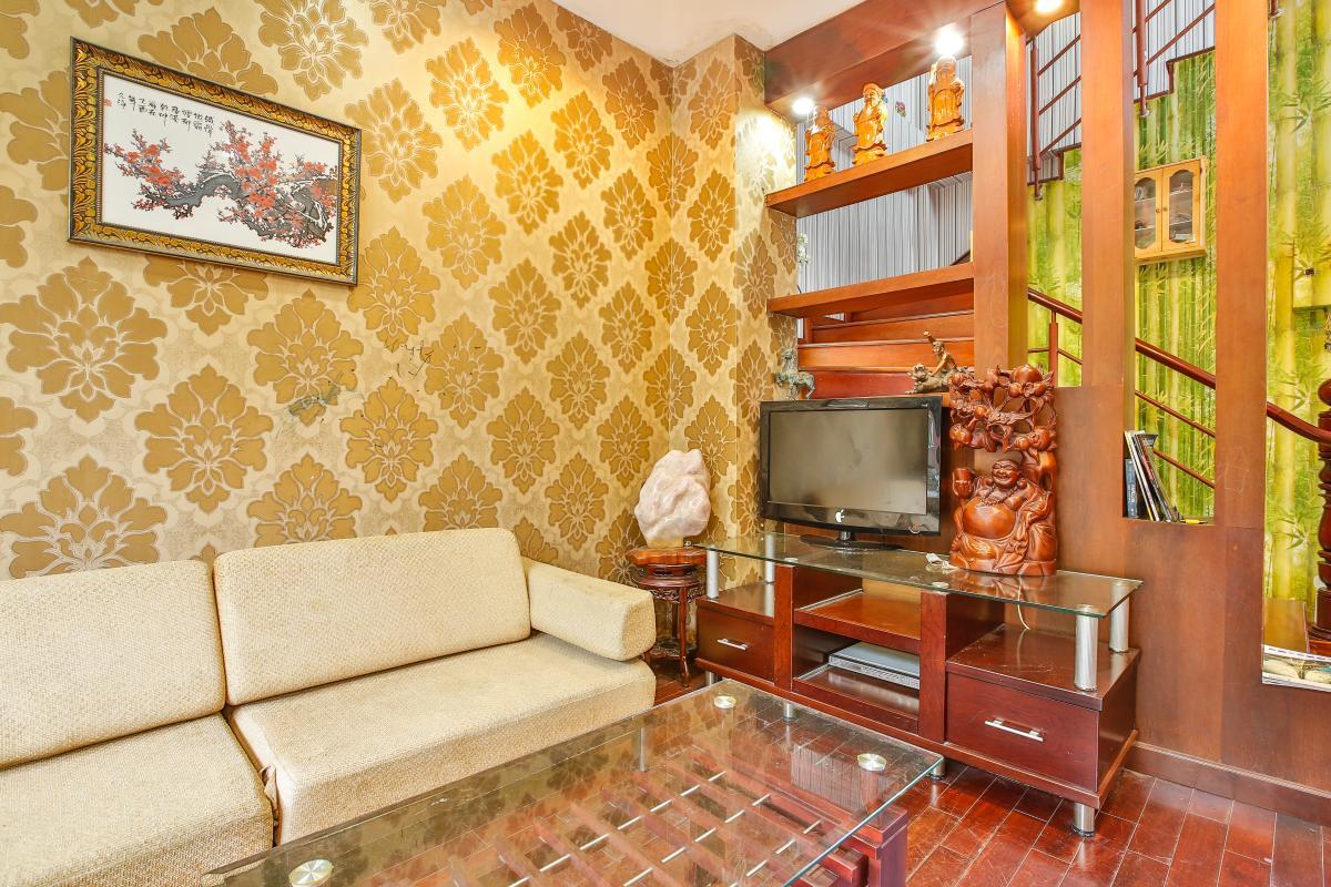 Phòng khách hướng Nam Nhà 3,5 tầng đường 20 Phú Hữu quận 9