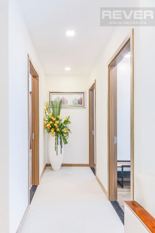 Lối đi vào phòng ngủ Căn hộ hướng Tây tầng cao P1 Vinhomes Central Park