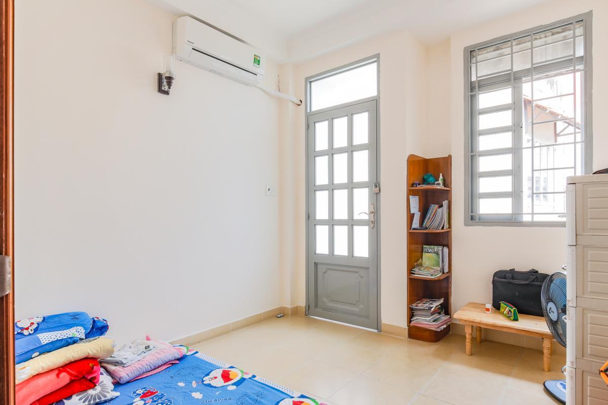 Nhà 3 tầng, hẻm Hoàng Hoa Thám Phú Nhuận, RV1013