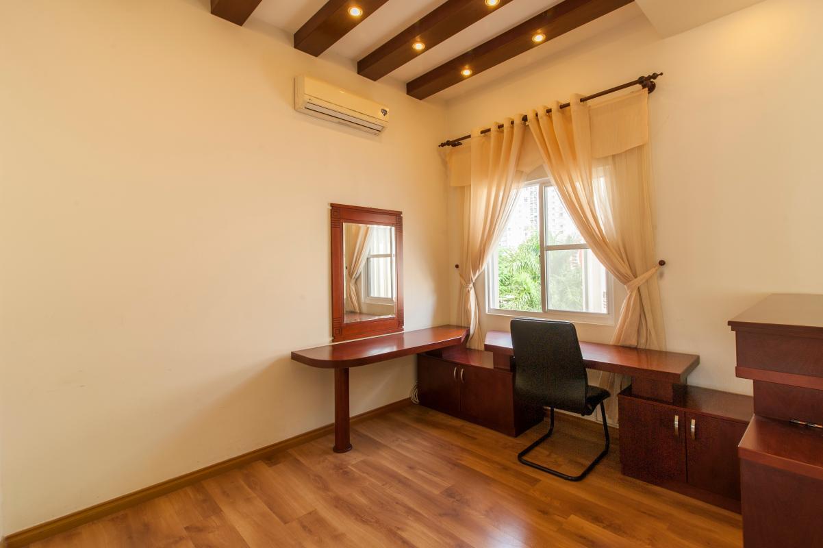 Góc bàn làm việc Villa 3 tầng Mỹ Thái 3