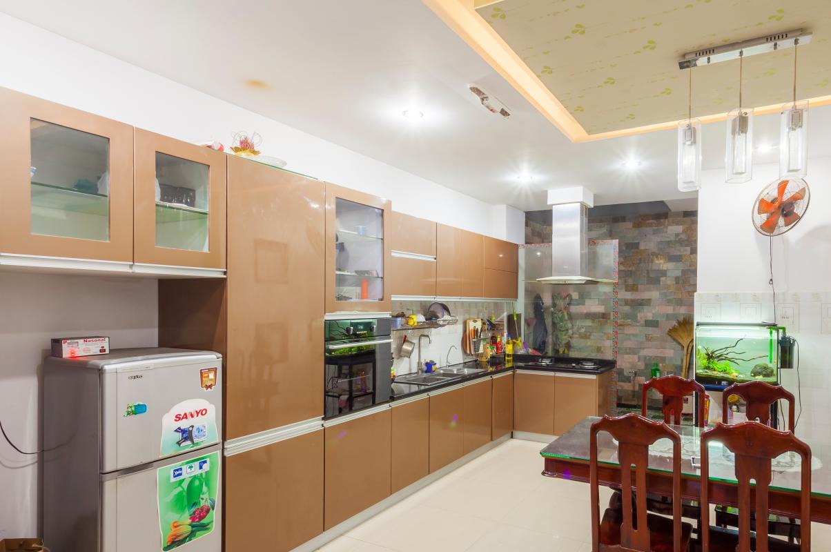 Phòng bếp rộng rãi Nhà 5 tầng hướng Tây mặt tiền  Trần Văn Dư Tân Bình