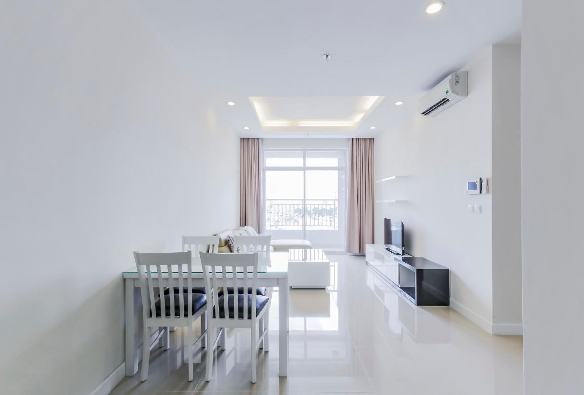 Phòng khách hiện đại Căn góc tầng cao P1 Prince Residence