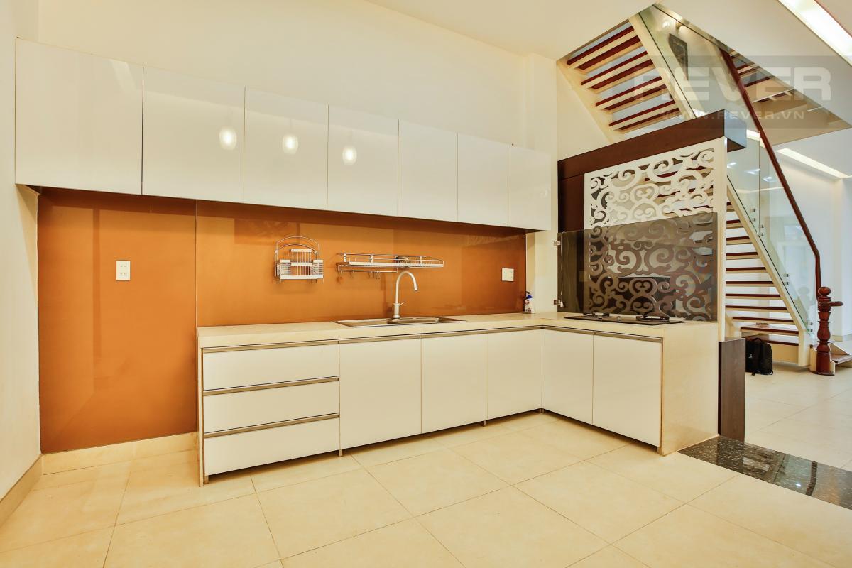 Phòng bếp với nội thất cao cấp Nhà 4 tầng mặt tiền D1 Bình Thạnh