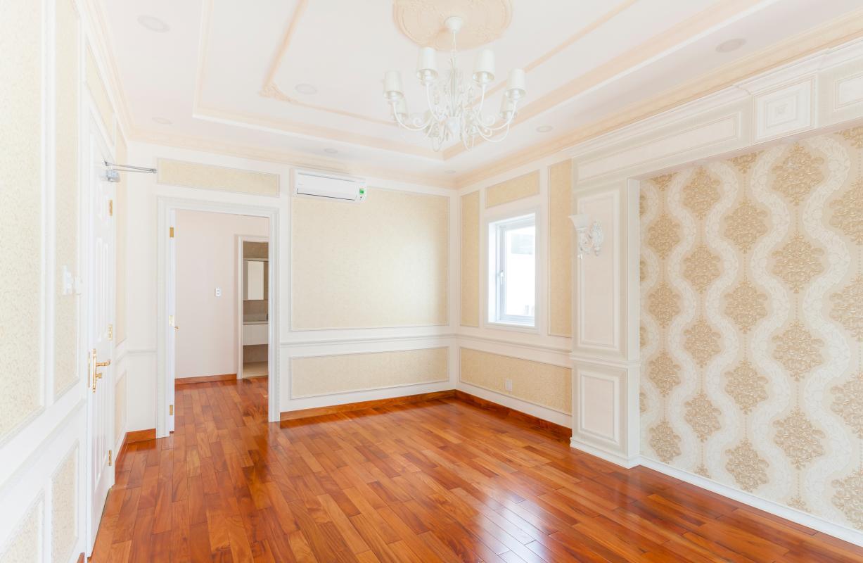Phòng ngủ với sàn gỗ Villa 3 tầng Thảo Điền compound