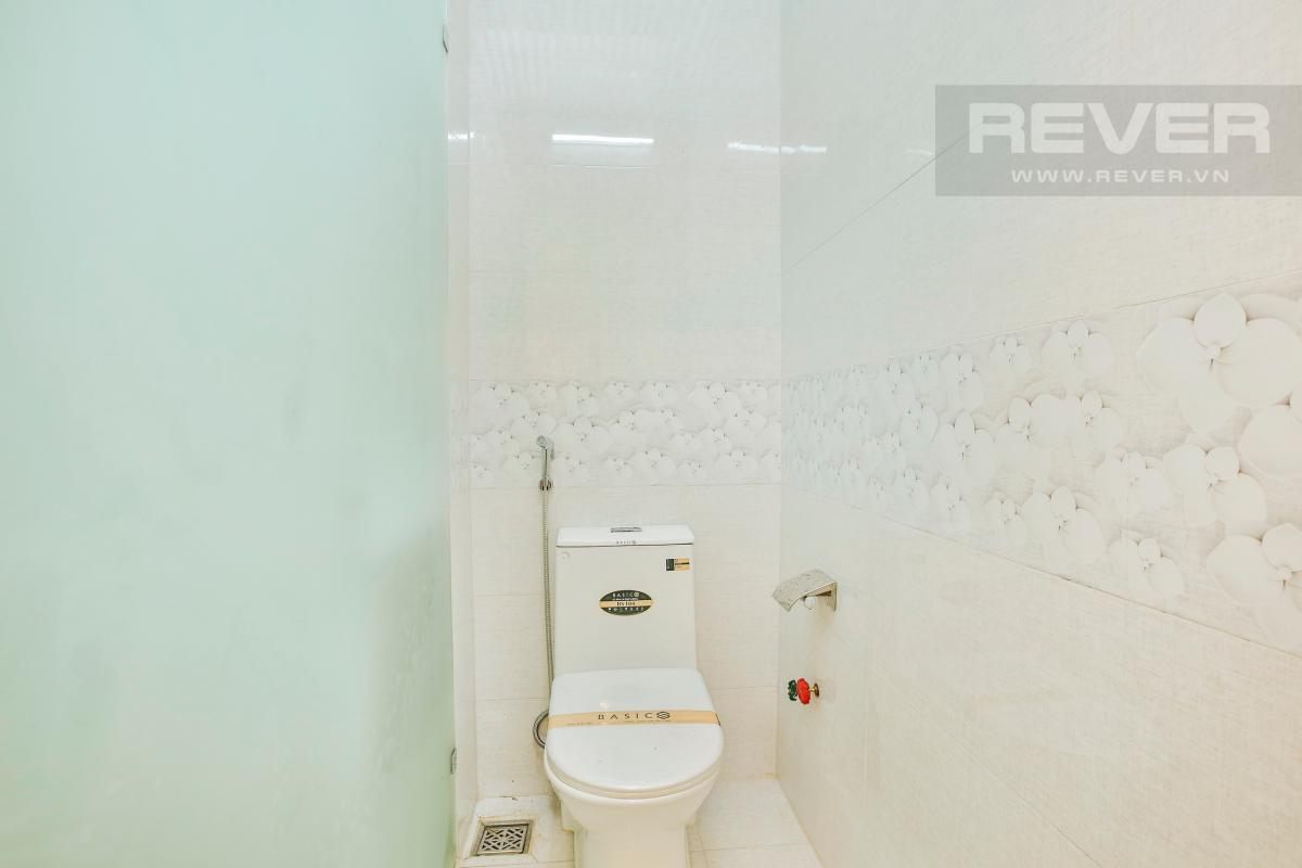 Phòng tắm Nhà 2 tầng hướng Đông đường Số 64 Thảo Điền