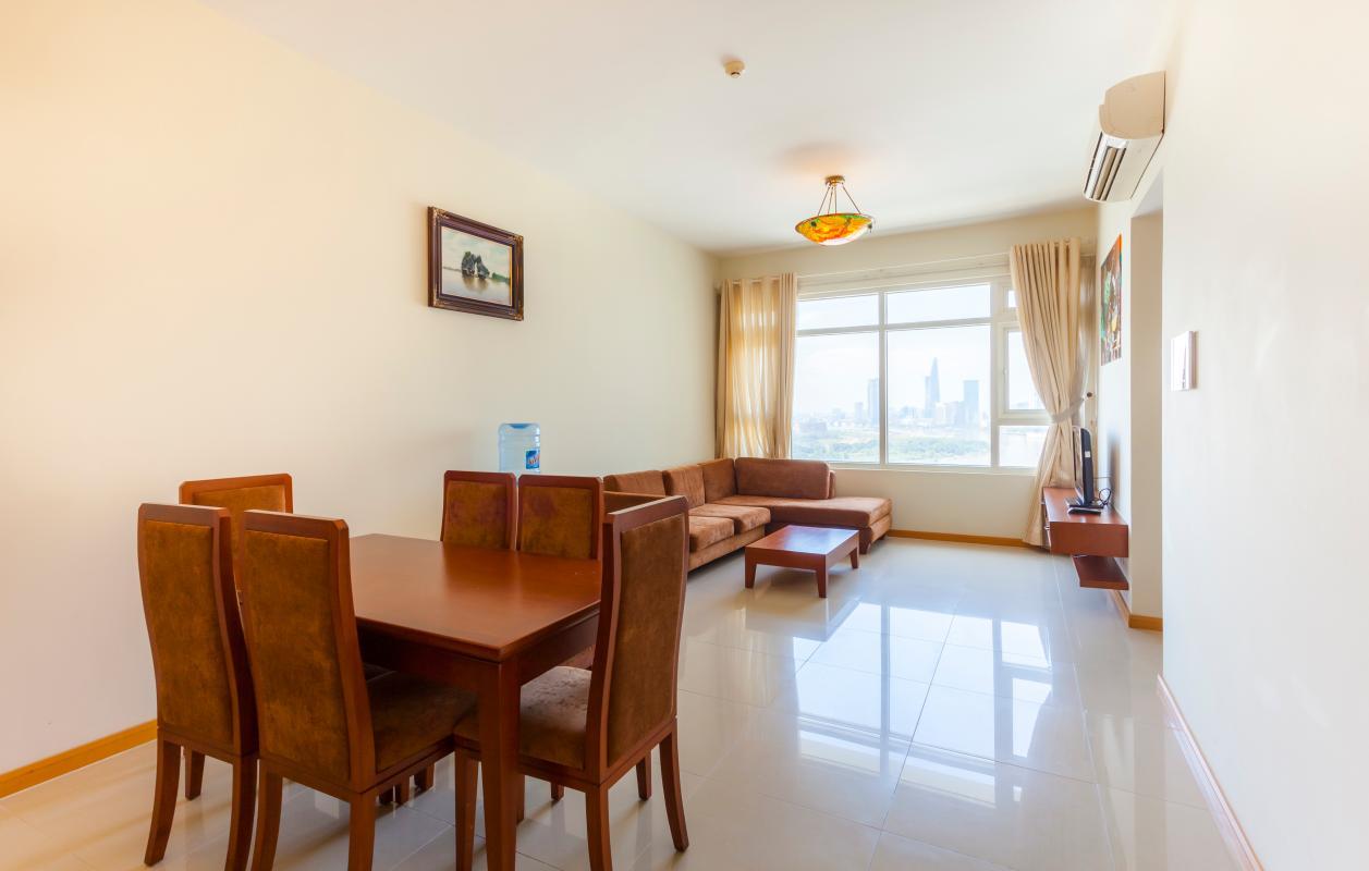 Khu vực bàn ăn nhìn ra phòng khách Căn hộ tầng cao Ruby 2 Sài Gòn Pearl