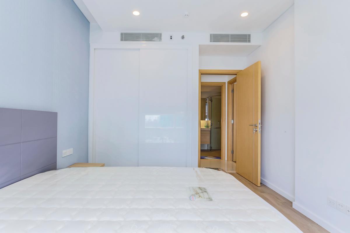 Tủ đồ lớn ở phòng ngủ 1 Bán căn hộ Sarimi Sala Đại Quang Minh 87m2, 2PN 2WC, nội thất tiện nghi