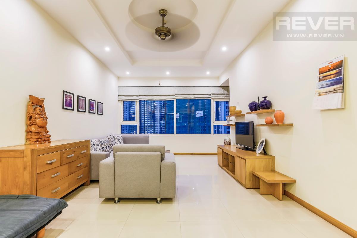 Phòng khách hướng Đông Nam Căn góc tầng cao Topaz 1 Saigon Pearl