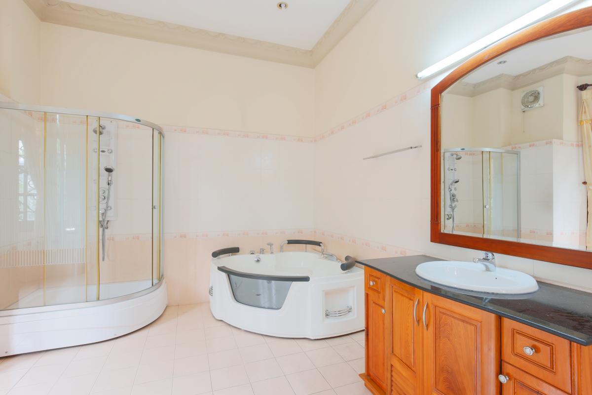 Phòng tắm Villa 2 tầng Trần Ngọc Diện Thảo Điền