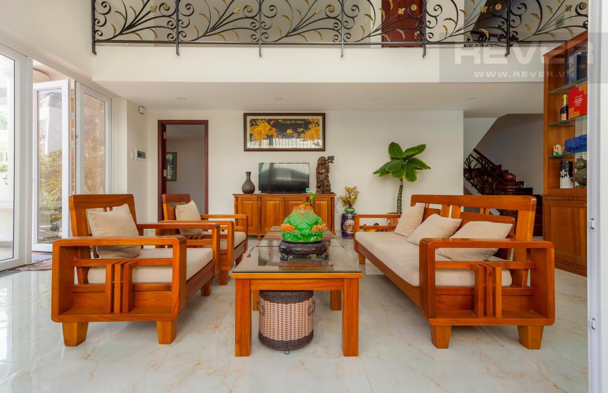 Phòng khách sang trọng Villa 3 tầng Đường Số 14 Hoàng Quốc Việt