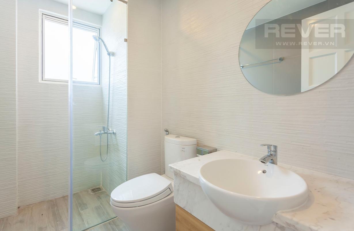 Phòng tắm 2 Căn góc Sunrise City tầng cao X2, hướng Đông Nam mát mẻ