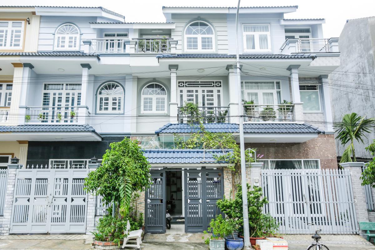 Mặt tiền nhà Nhà 3 tầng Tăng Nhơn Phú quận 9