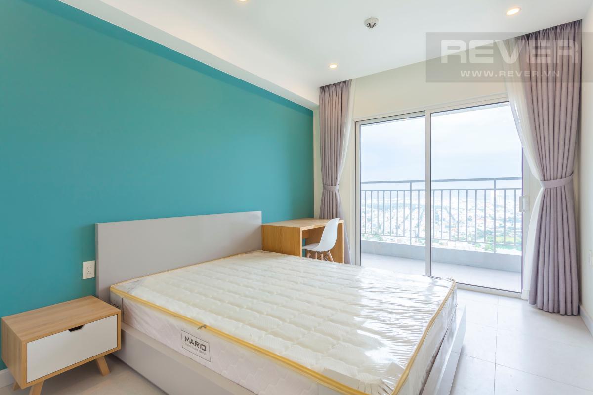 Phòng ngủ 2 có ban công Căn góc Sunrise City tầng cao X2, hướng Đông Nam mát mẻ