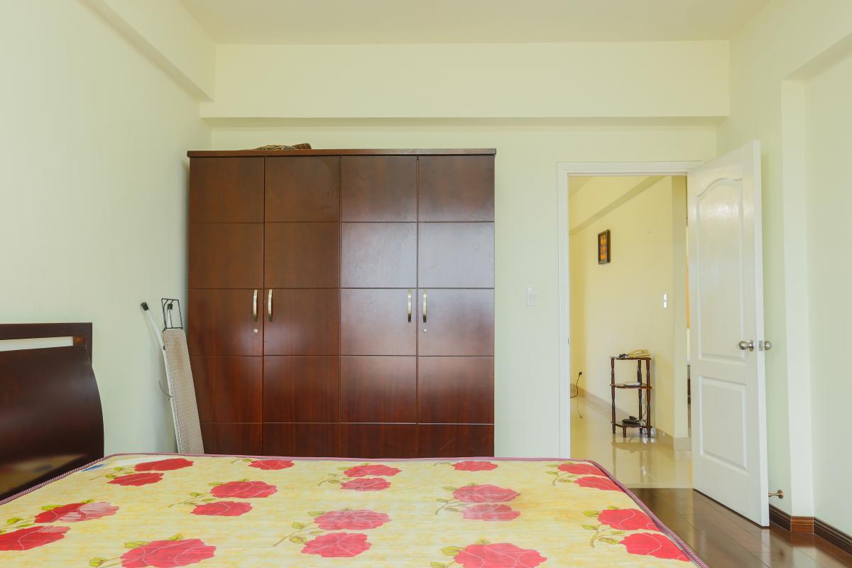 Phòng ngủ 1 có tủ đồ đặt âm tường Căn góc Mỹ Phát tầng cao hướng Tây Nam