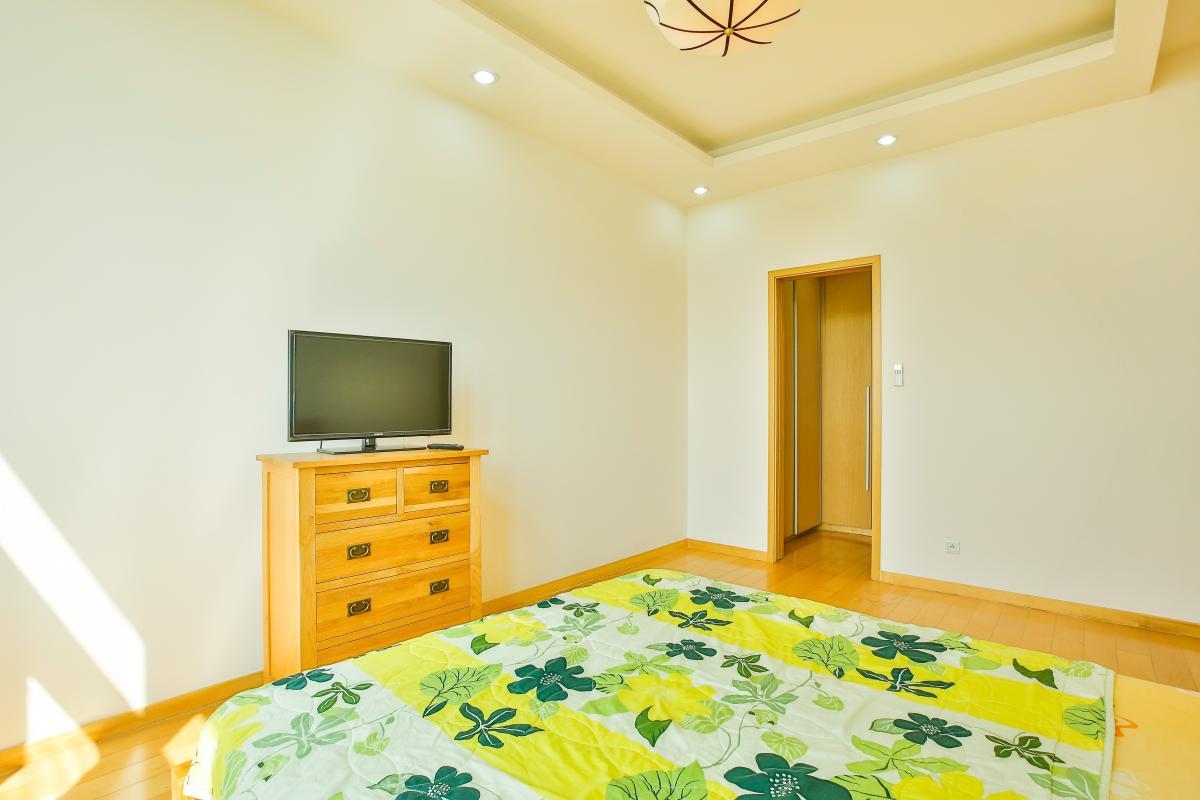 Tủ đồ thấp ở phòng ngủ 1 Căn hộ 2 phòng ngủ tầng cao T2 The Vista An Phú