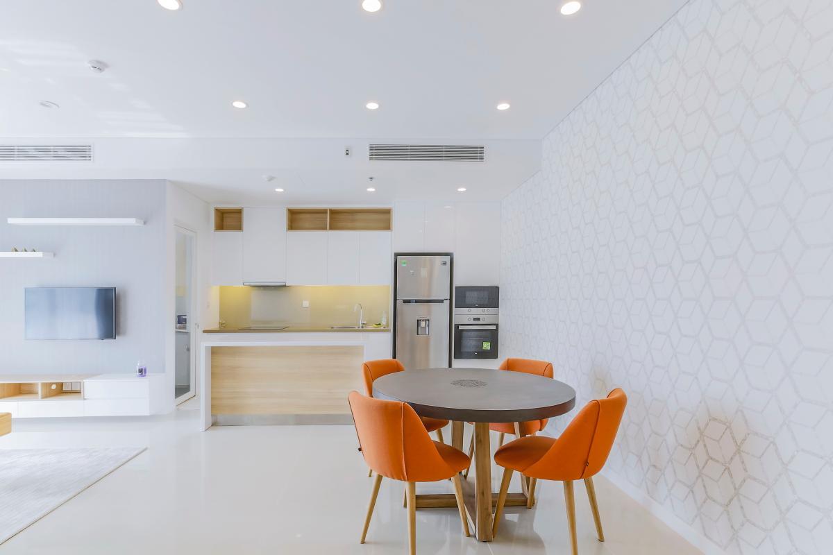 Bàn ăn tròn khá độc đáo Bán căn hộ Sarimi Sala Đại Quang Minh 87m2, 2PN 2WC, nội thất tiện nghi