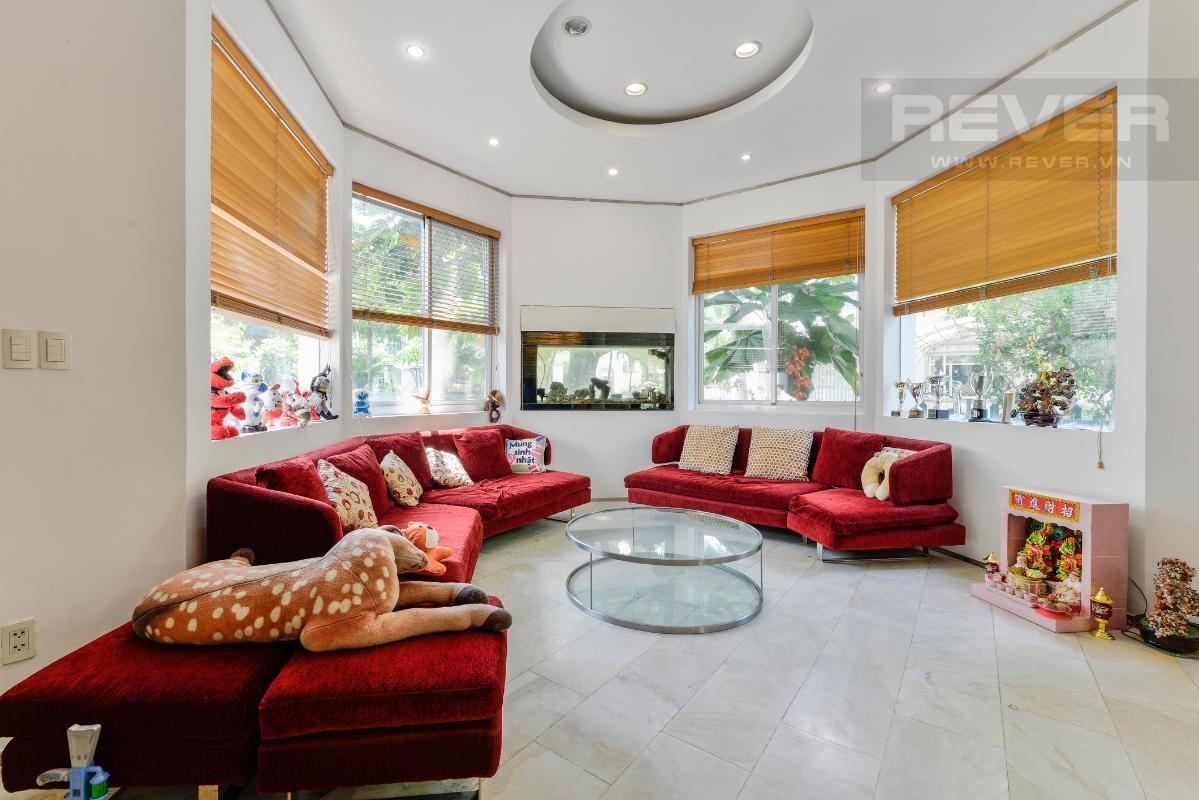Không gian phòng khách thoáng đãng Villa 2 tầng có sân vườn hướng Đông Bắc Hưng Thái 2