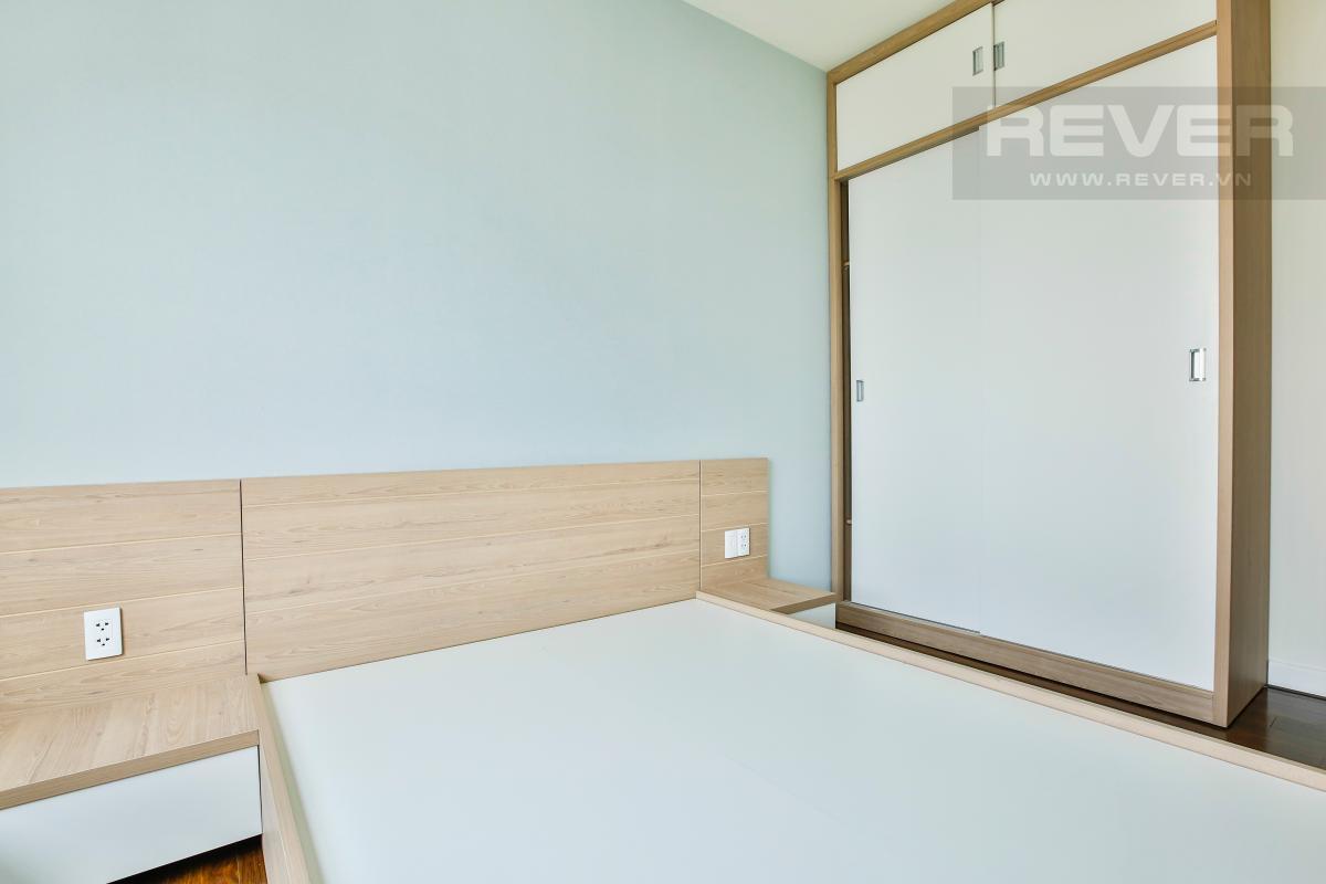Giường ngủ và tủ đồ âm tường phòng ngủ 2 Căn góc tầng cao hướng Tây Nam tháp LB Lexington Residence
