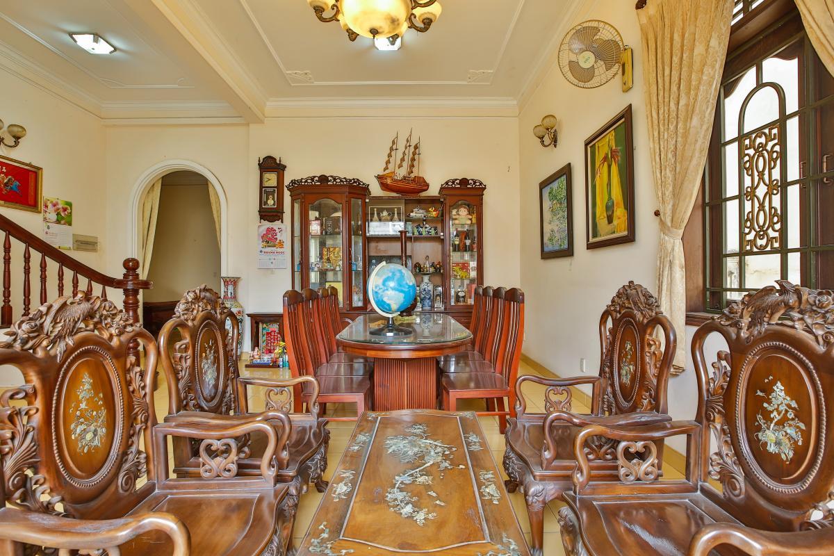 Bộ bàn ghế gỗ phòng khách Villa 2 tầng Đường 61 Thảo Điền