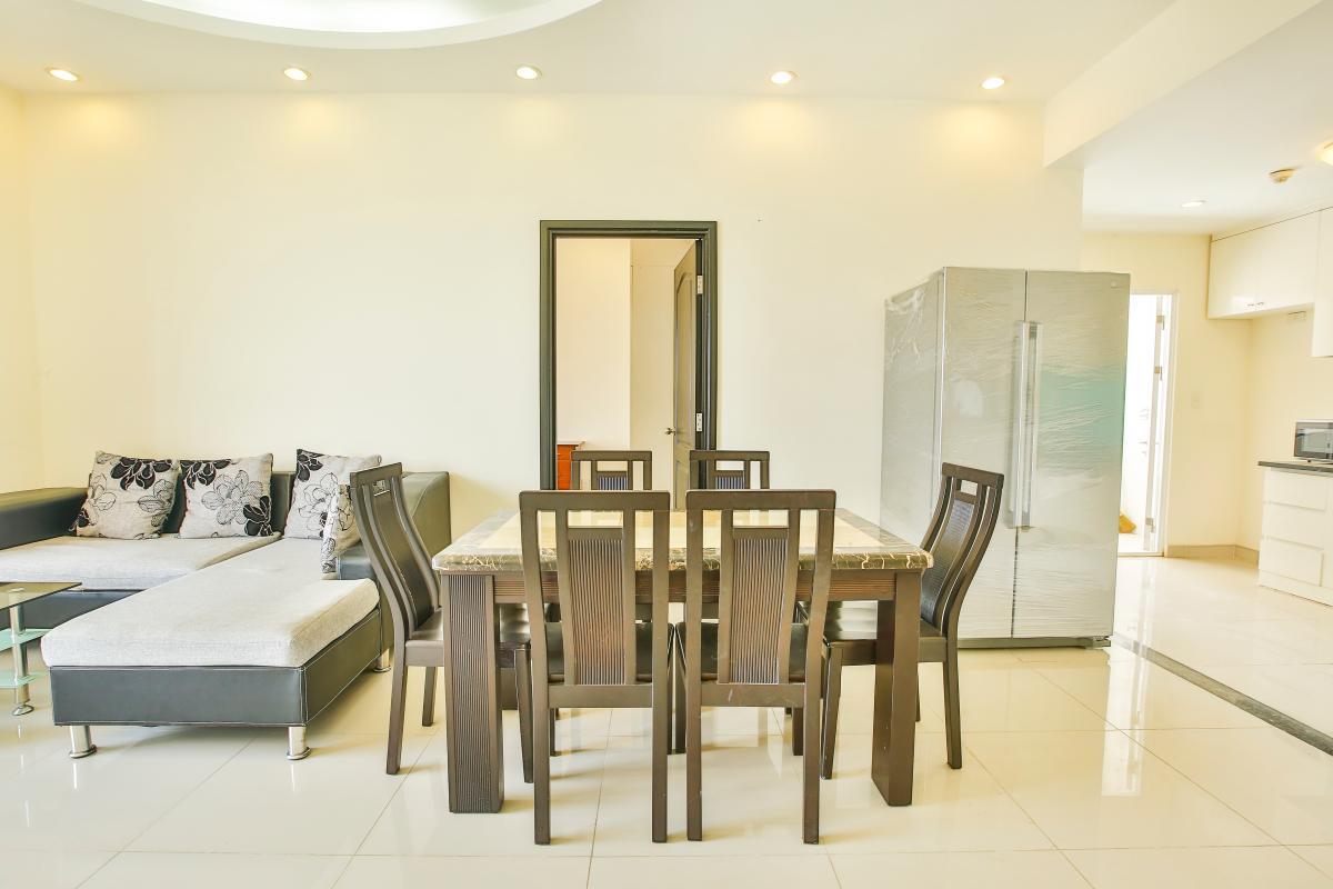 Bàn ăn sang trọng Căn hộ 2 phòng ngủ tháp B Riverside Residence