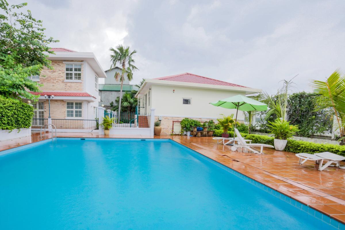 Hồ bơi nội khu Villa mini Nguyễn Văn Hưởng