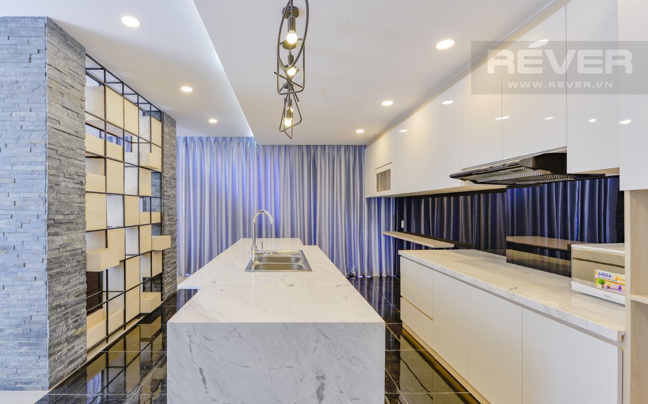 Phòng bếp sang trọng của phòng 91m2 M & T Building cho thuê phòng đủ nội thất, nhiều diện tích sử dụng