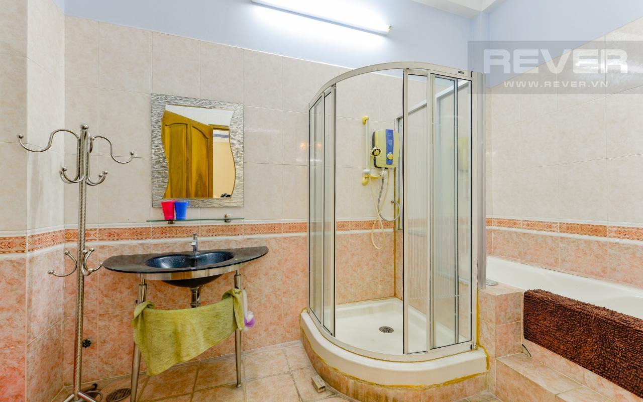 Phòng Tắm Nhà 3 tầng mặt tiền Bạch Đằng Bình Thạnh