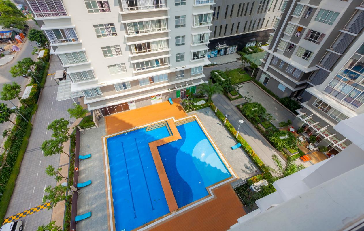 View tiện ích nội khu từ căn hộ Căn góc trung tầng V1 Sunrise City