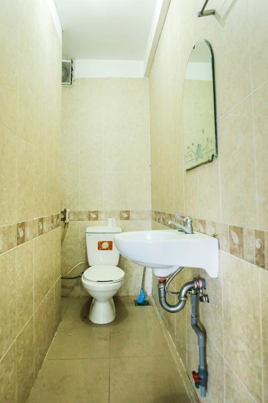 Phòng tắm Nhà 5 tầng mặt Hà Huy Tập quận 7