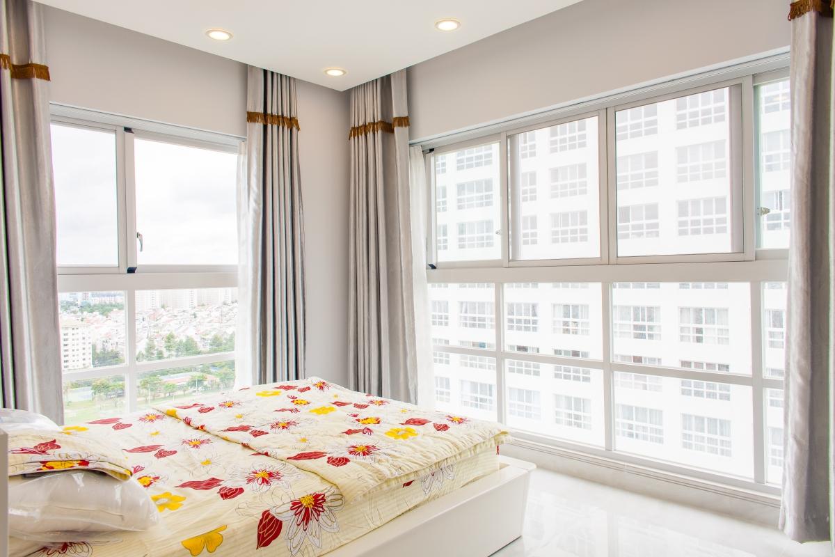 Phòng ngủ vị trí góc Căn hộ tầng cao tháp H Happy Valley
