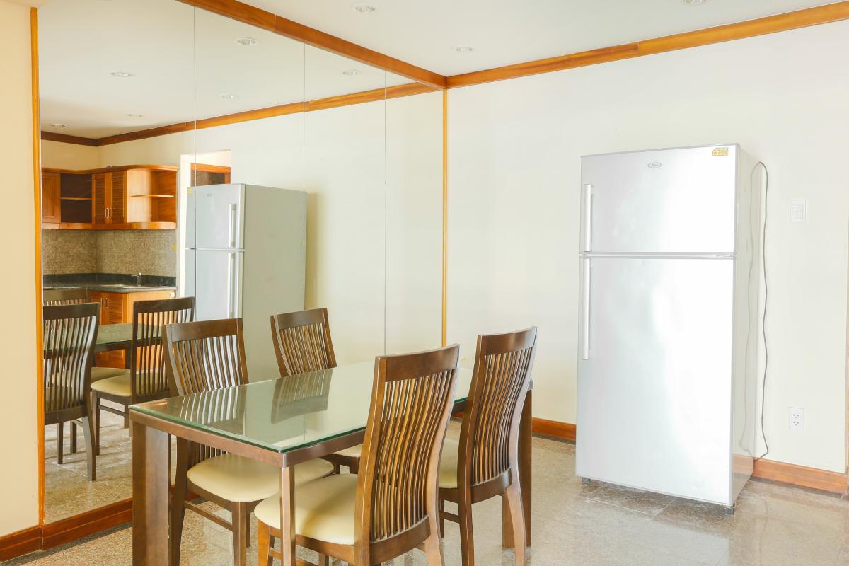 Bàn ăn hiện đại Penthouse 4 phòng ngủ D1 The New Saigon