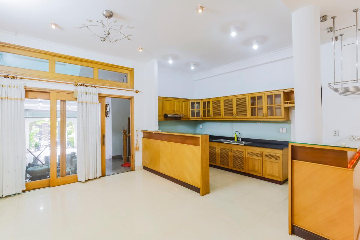Không gian phòng bếp và phòng ăn Nhà 3 tầng mặt tiền Phạm Cự Lượng Tân Bình