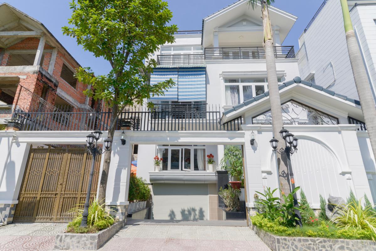 Mặt tiền căn villa Villa 3 tầng compound Hà Đô