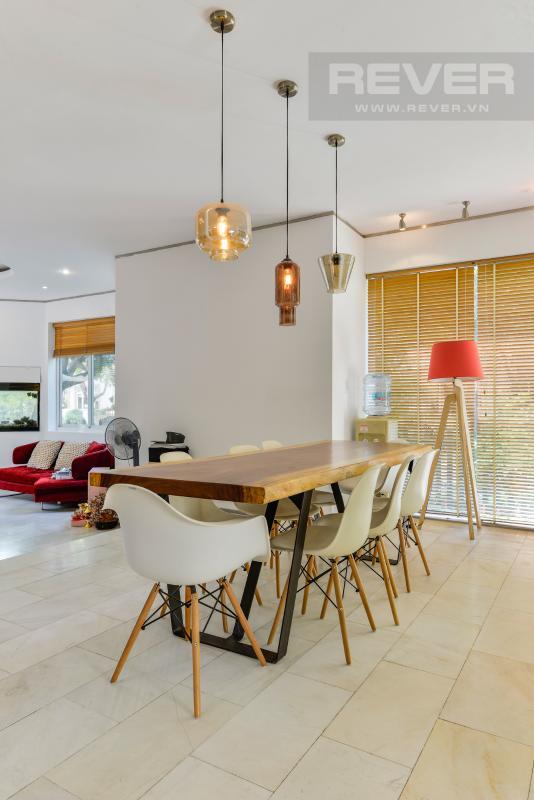 Khu vực bàn ăn Villa 2 tầng có sân vườn hướng Đông Bắc Hưng Thái 2