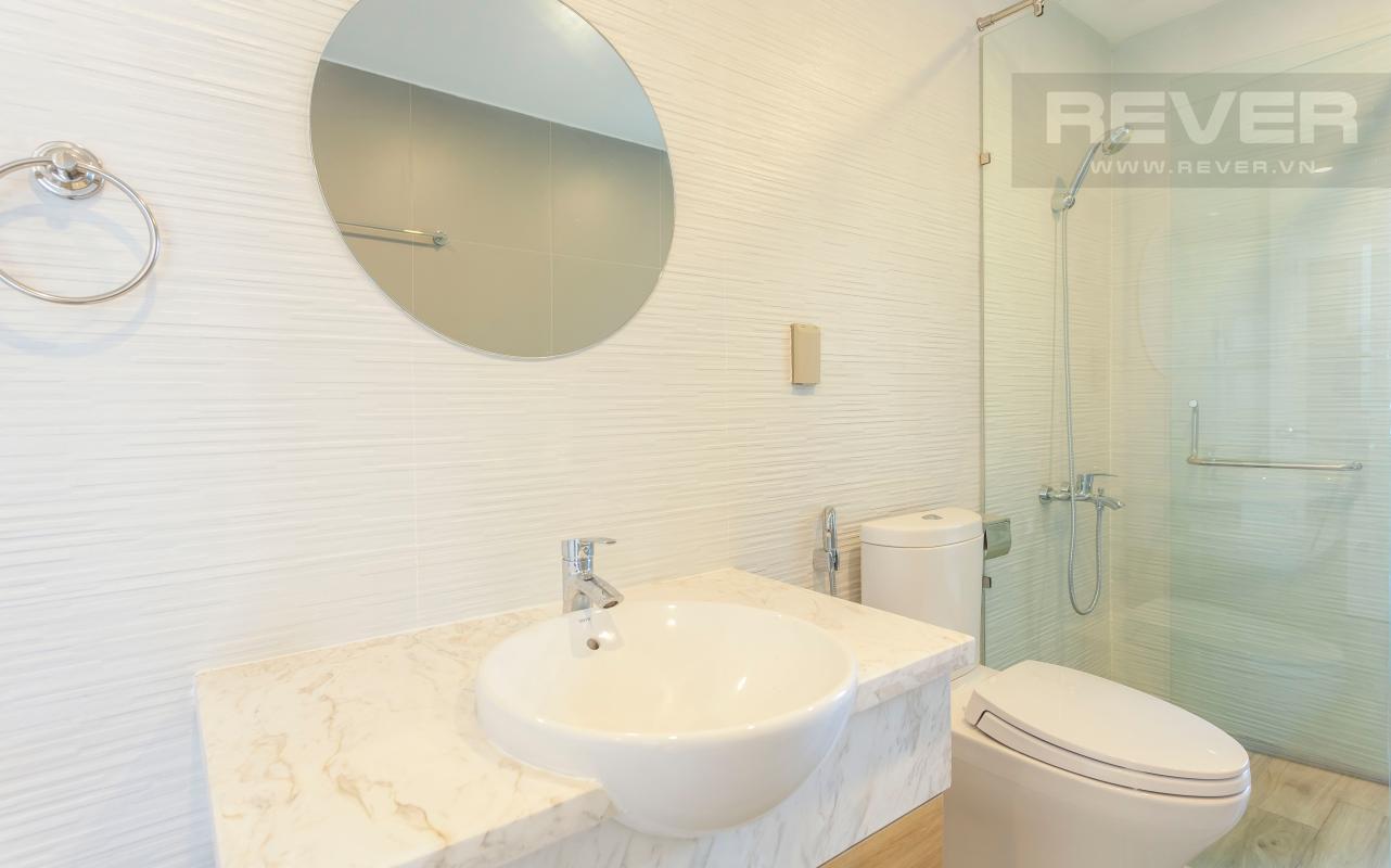 Phòng tắm 1 Căn góc Sunrise City tầng cao X2, hướng Đông Nam mát mẻ