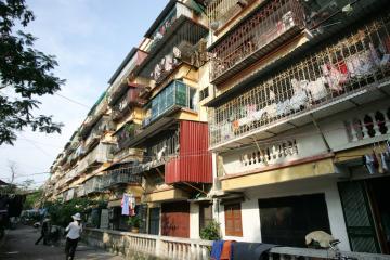 TP.HCM: Hy hữu chuyện bán nhà nhưng không bán tường và cầu thang