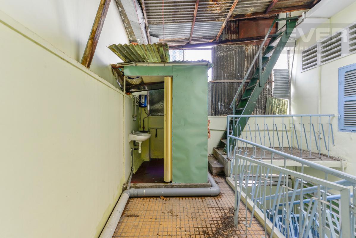 Tầng thượng Nhà 4 tầng hẻm rộng rãi đường Pasteur quận 1