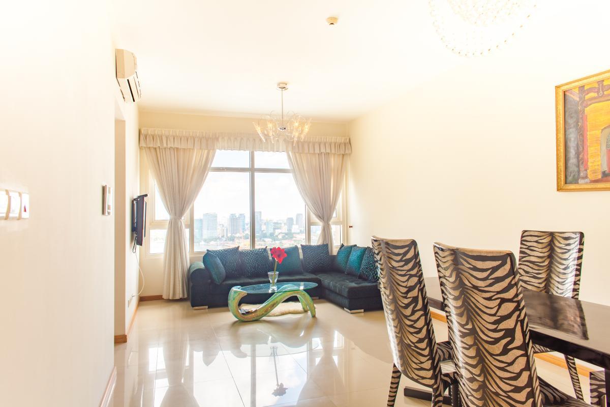 Phòng khách hướng Đông Nam Căn hộ tầng cao Ruby 2 Saigon Pearl