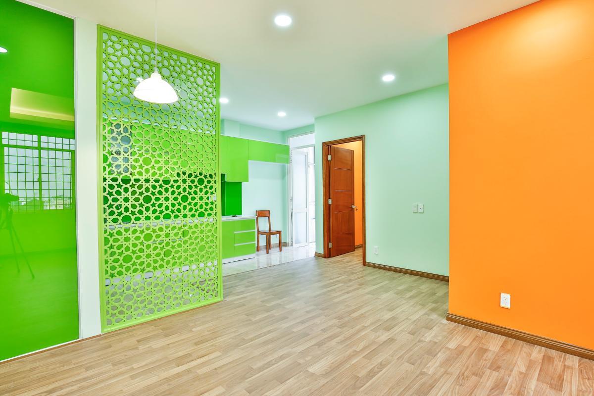 Phòng khách nhìn vào khu vực bếp Căn hộ 2 phòng ngủ chung cư Nguyễn Tri Phương
