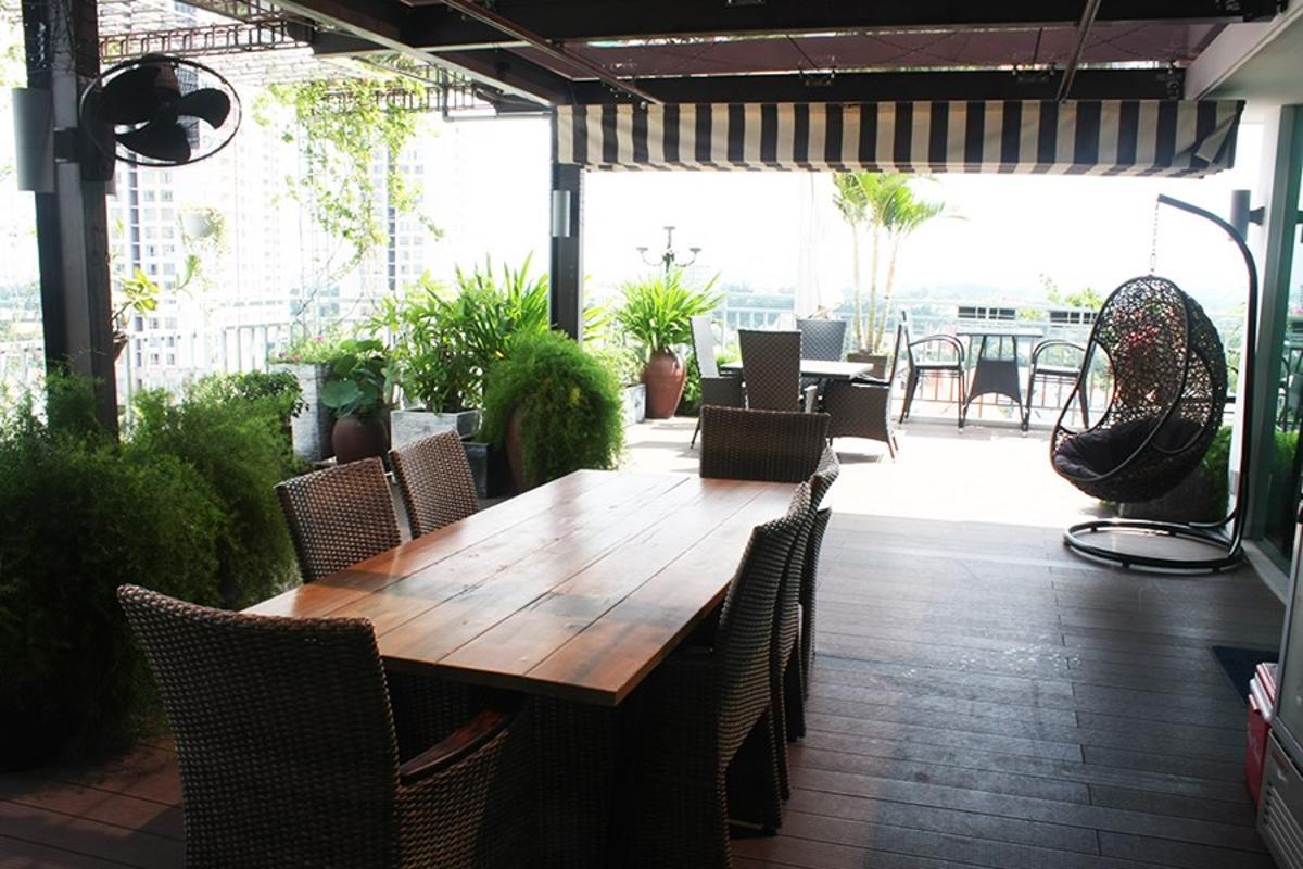Một góc quán cà phên sân vườn tại SEM Residence Căn hộ hướng Bắc SEM Residence