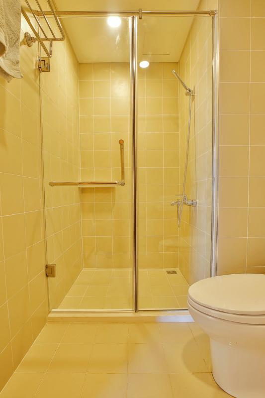 Phòng tắm Căn hộ Sunrise City X2 độc đáo với nội thất thông minh