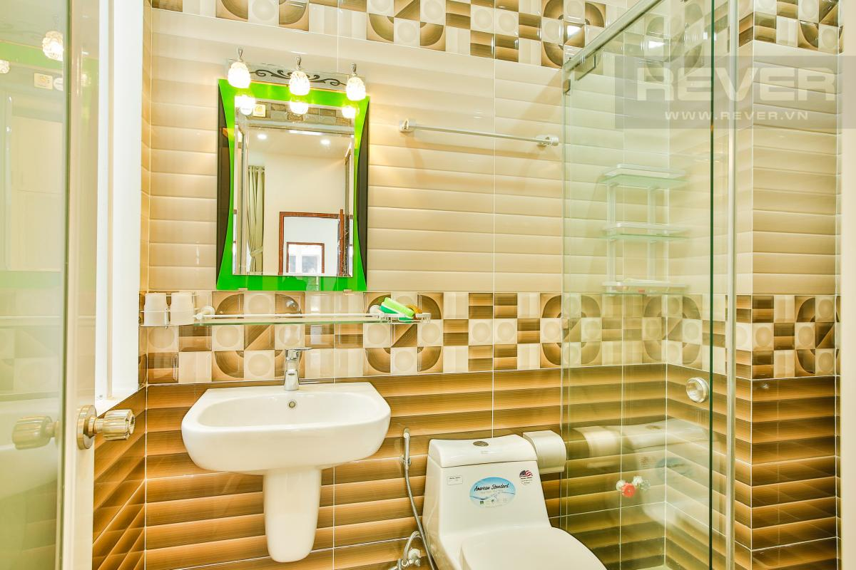 Phòng tắm 3 Nhà 4 tầng mặt tiền D1 Bình Thạnh