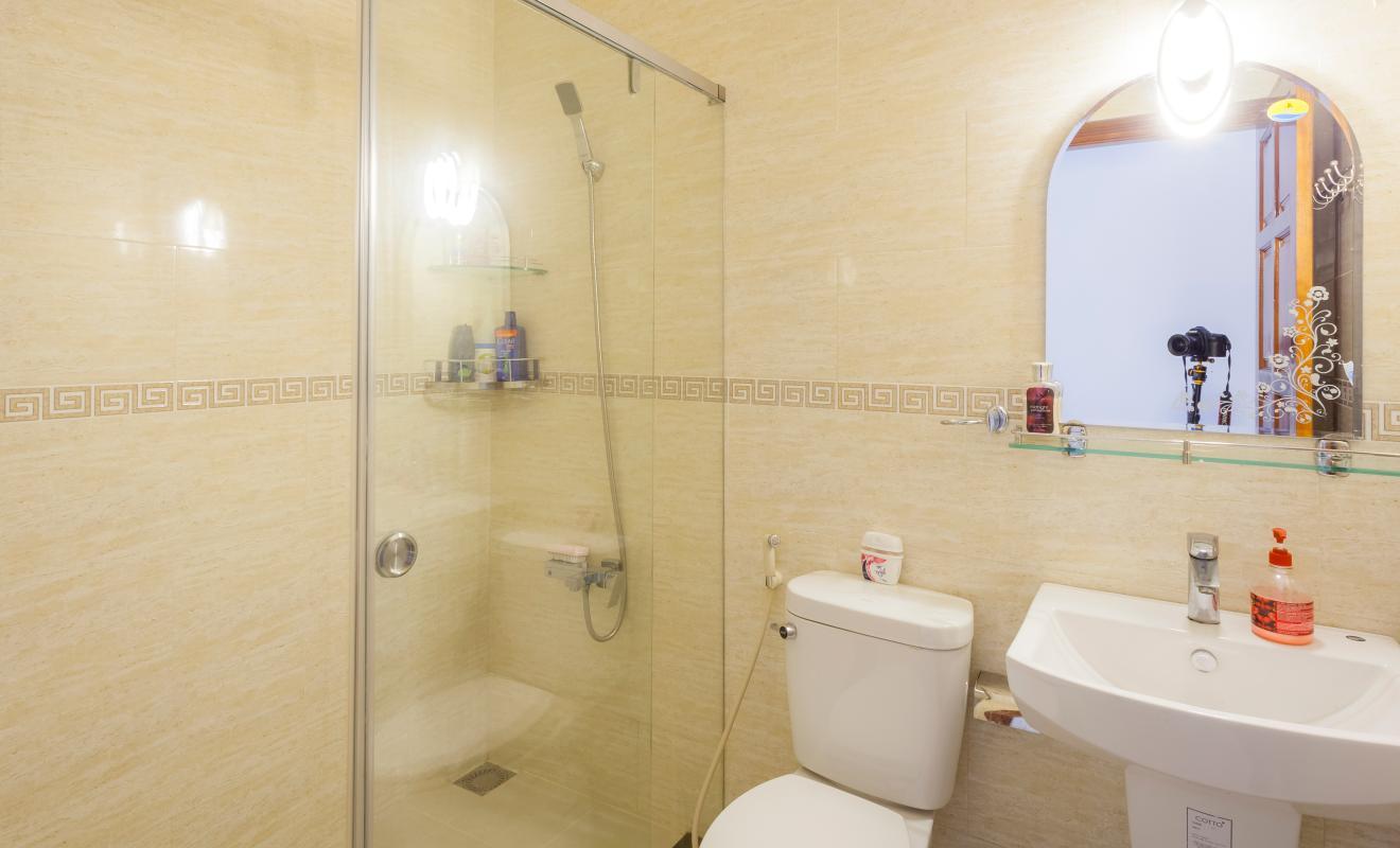 Nội thất phòng tắm nhỏ Villa hướng Tây Bắc Đường 12 Thảo Điền