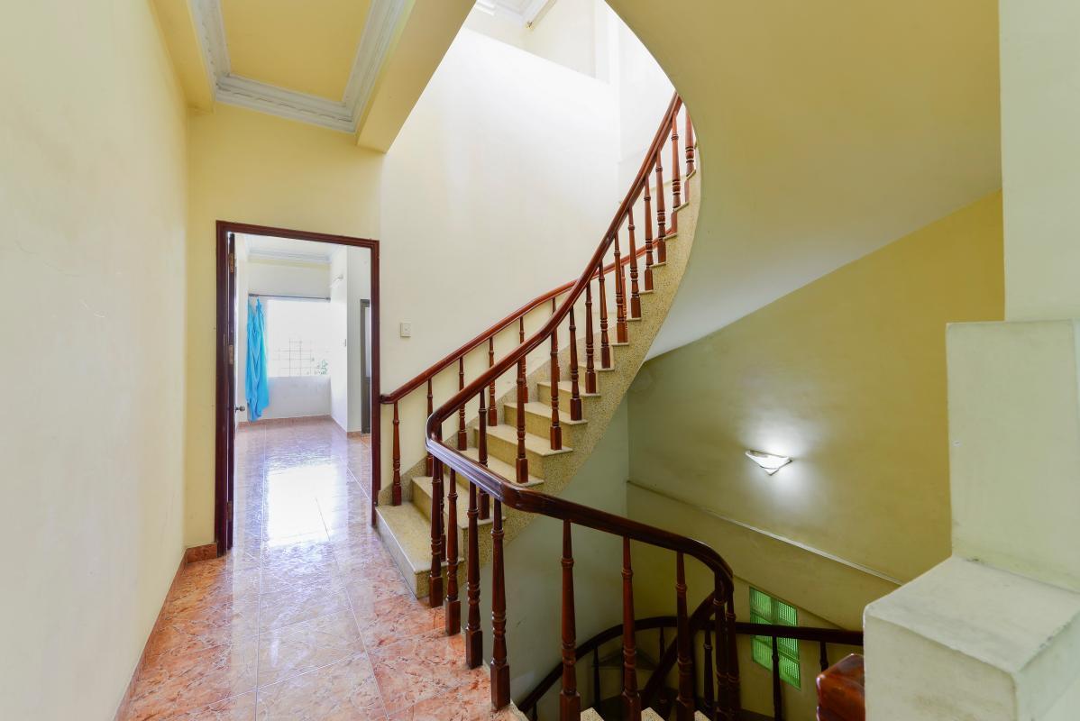 Hành lang tầng lầu Nhà phố 3 tầng Đường số 1 Quận 7