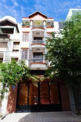 Nhà phố Nguyễn Văn Dung 4 tầng kiên cố