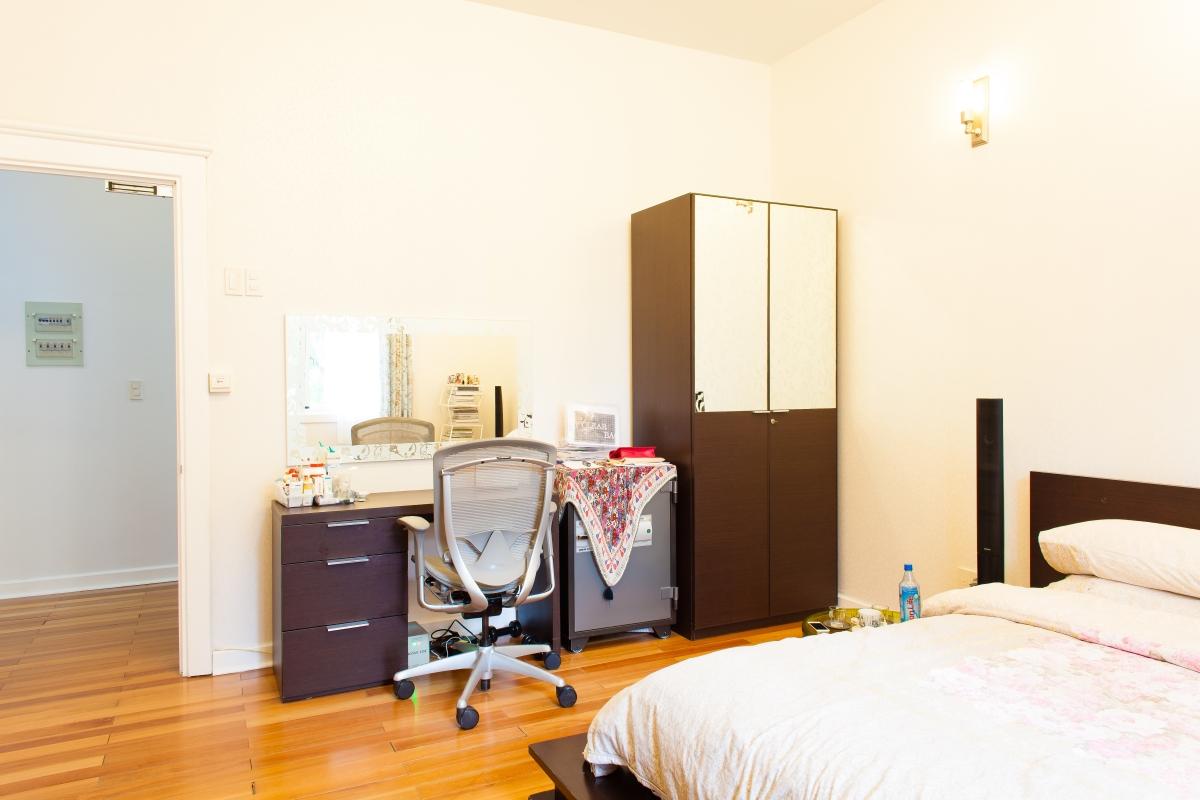 Góc làm việc trong phòng ngủ Villa 2 tầng đơn lập Mỹ Phú 1A