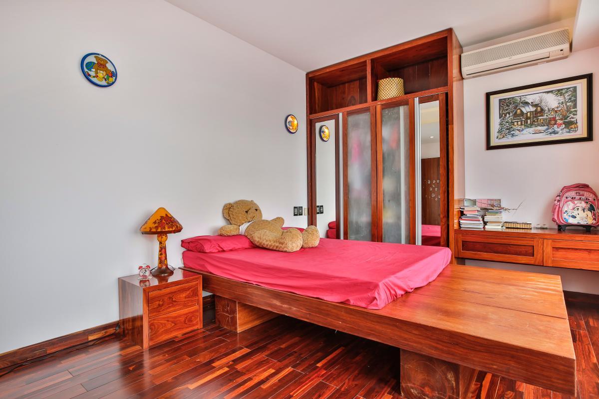 Phòng ngủ chính Penthouse hướng Nam Sapphire 1 Sài Gòn Pearl