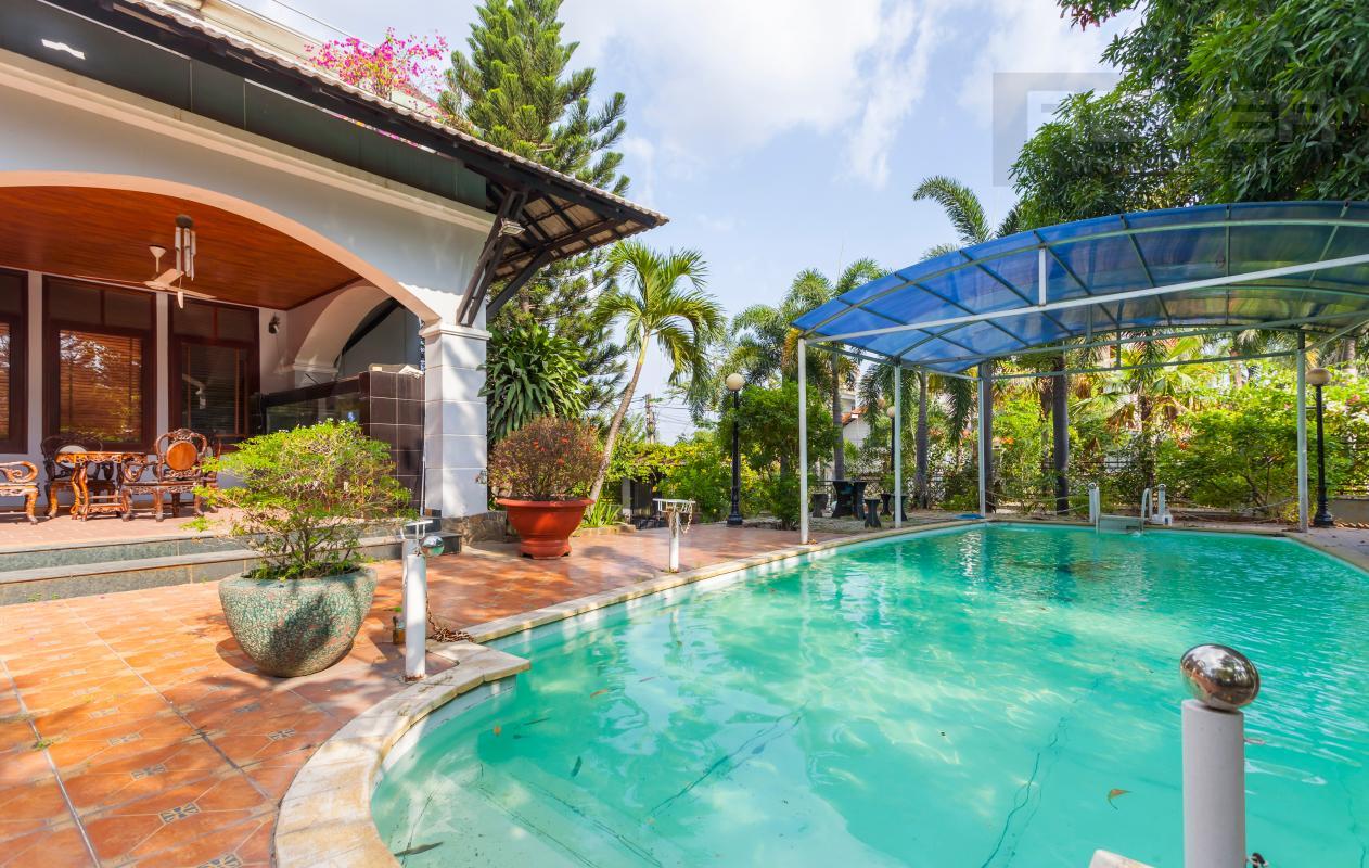 Hồ bơi Villa sân vườn hướng Tây Đại học Bách Khoa