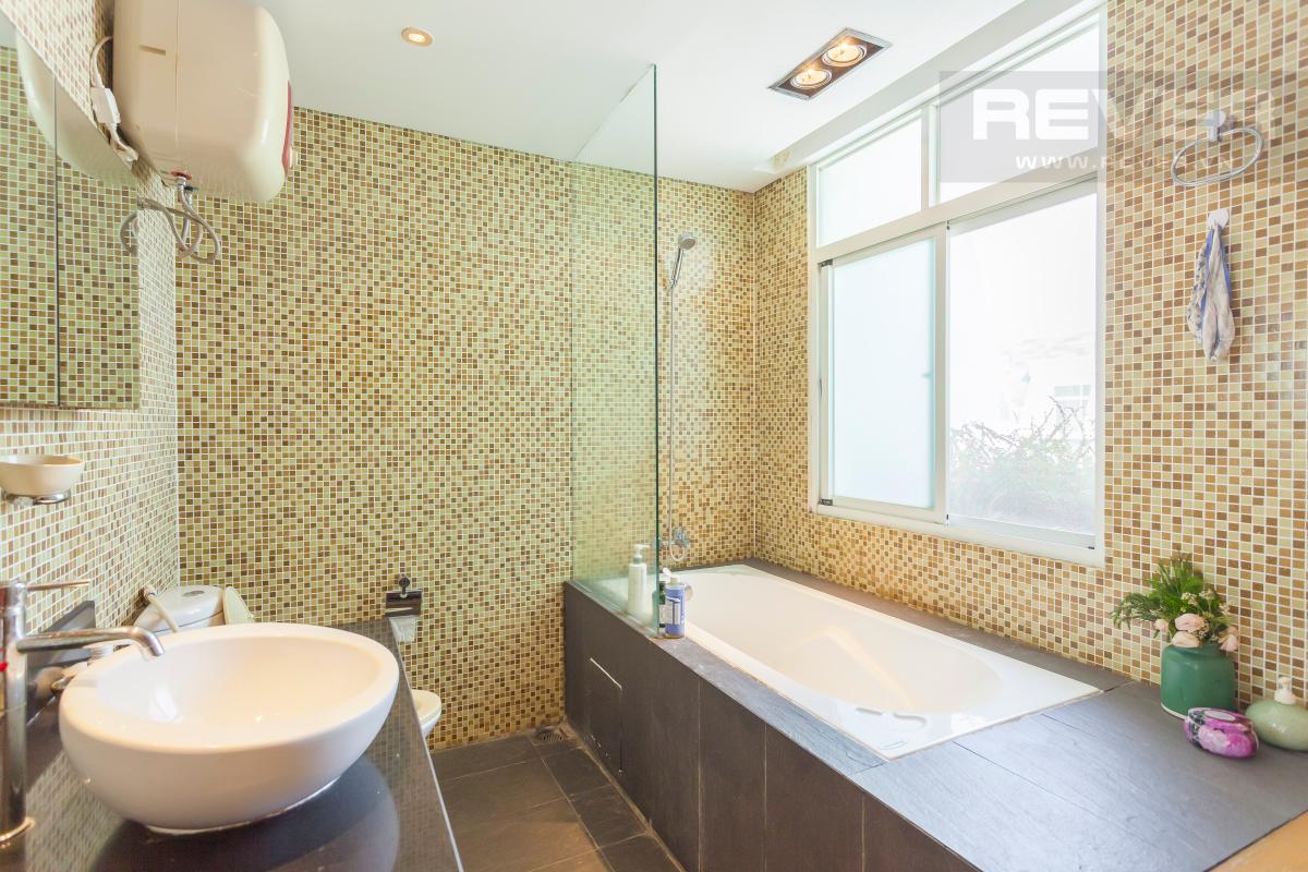 Phòng tắm 3 Căn hộ duplex Cảnh Viên 1 tầng thấp AB1 hướng Tây, 3 phòng ngủ