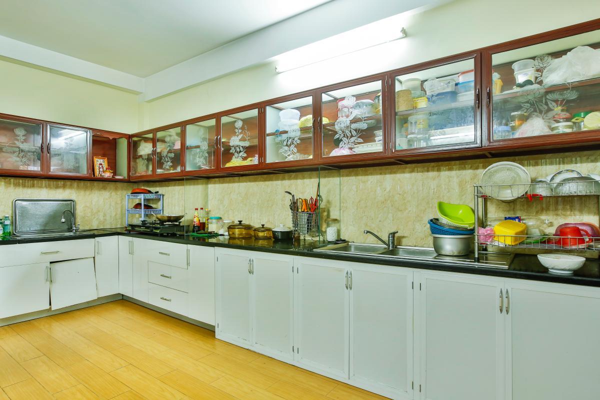 Phòng bếp đầy đủ tiện nghi Nhà 3 tầng mặt tiền D48 Nam Long